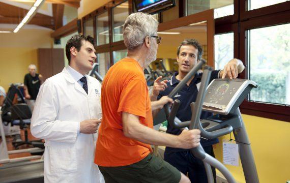 paziente medico_ fisioterapista_ Isokinetic Bologna Palestra