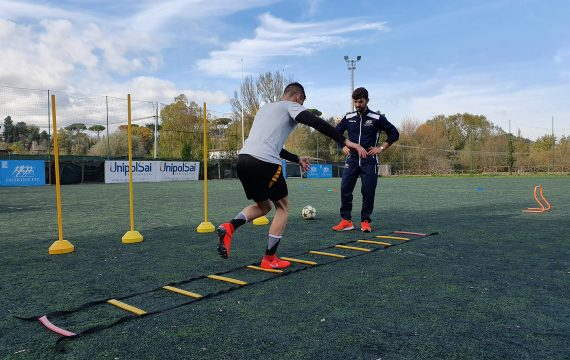 riabilitazione su campo sportivo_fiducia di muoversi_Isokinetic Roma